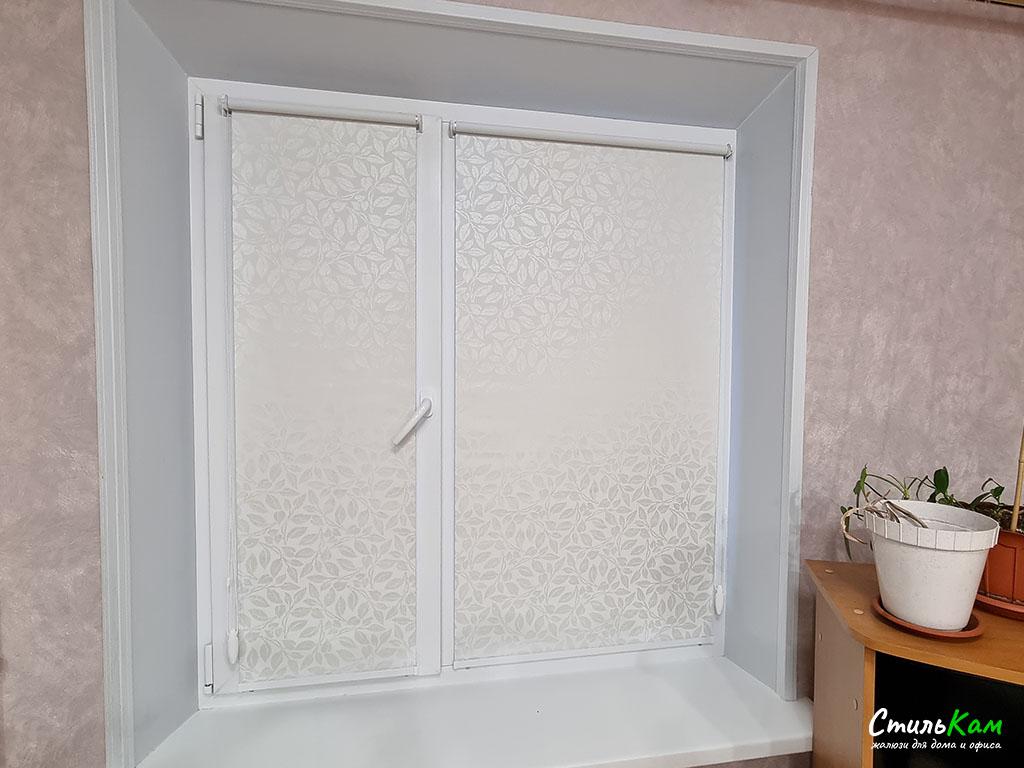 рулонные шторы мини со светонепроницаемой тканью