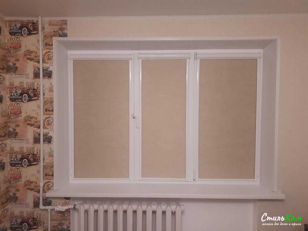 рулонные шторы кассетные на створку окна