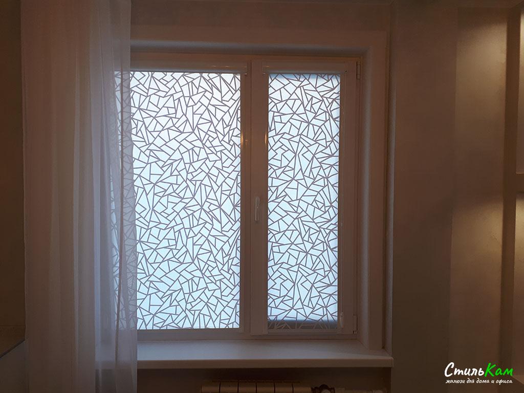 рулонные шторы uni с геометрическим рисунком